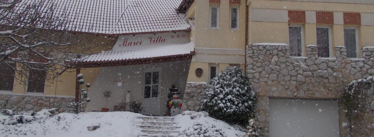 Téli kép a villáról